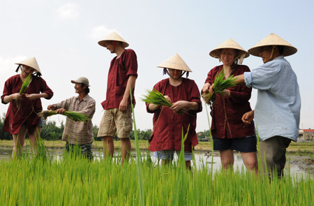 Hoi An Ancient Town Tour 03 – Rice Show – Half day