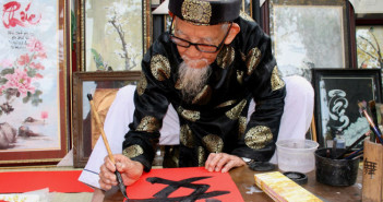 Old Calligraphers and the Beauty of Vietnamese Culture