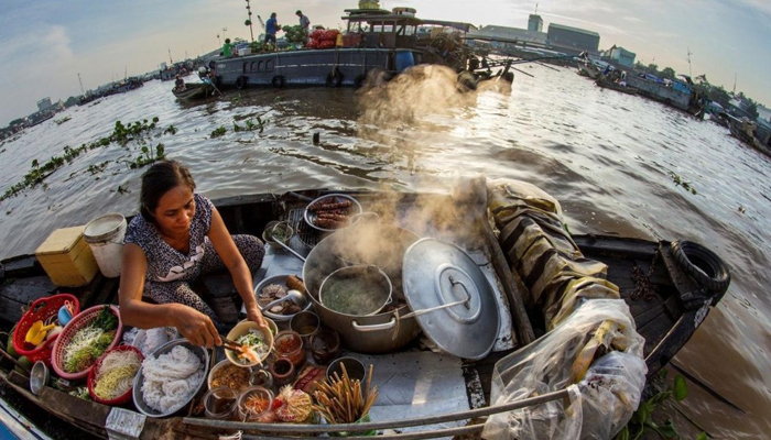 Hu Tieu - The must-eat dish when having a boat tour in floating market, Mekong Delta