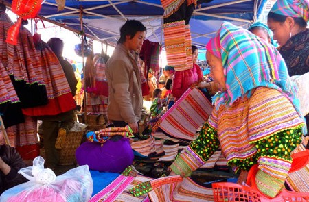 Sa Pa Trekking & Bac Ha Market Tour – 4 Days