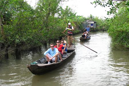 Boat trip around Vinh Long