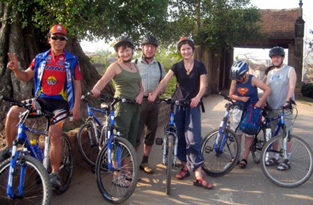 Cycling in Duong Lam Ancient Village