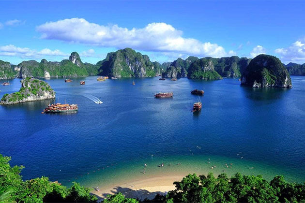 Halong Bay in Vietnam School Tour