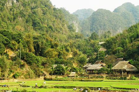 Kho Muong Village in Pu Luong Nature Reserve