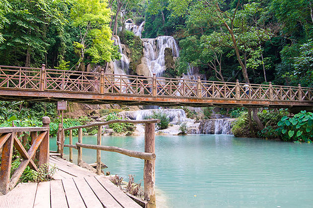 Kuang si Waterfall laos tour in 5 days