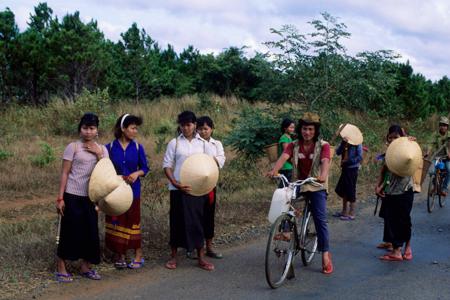 Local women in Pleiku
