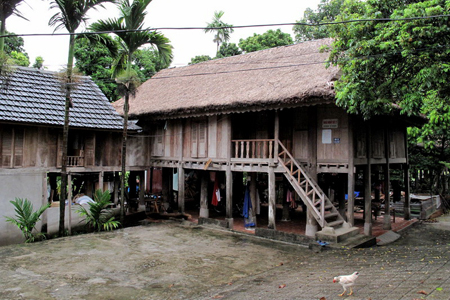 Thai house on stilt in Pom Coong Village, Mai Chau