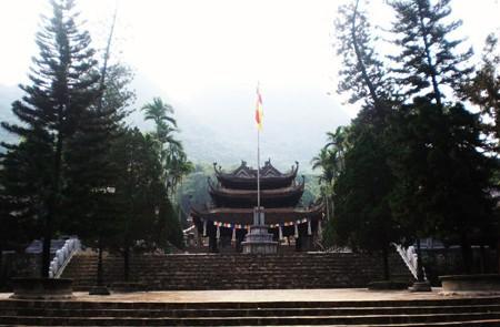 Tour Hanoi to Perfume Pagoda – 1 Day