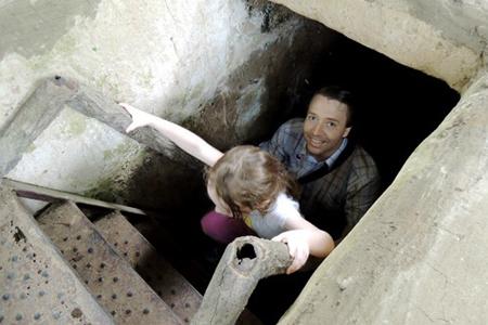 Visit Cu Chi Tunnels