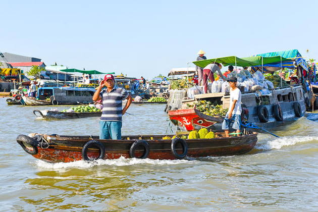 cai rang floating market can tho south vietnam tour