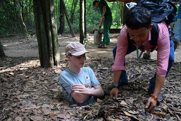 cu chi tunnel 12-day vietnam tour