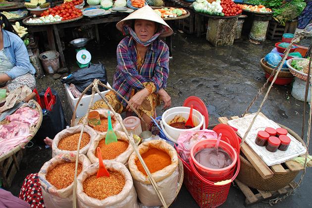 dong ba market in hue