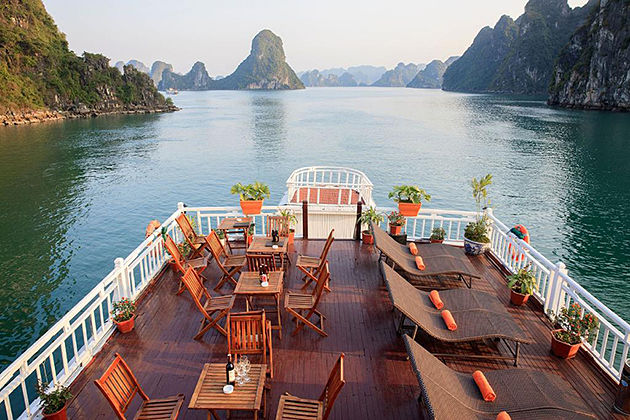 halong bay cruise north vietnam tour