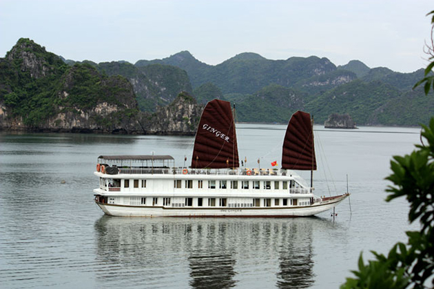 halong bay ginger cruise Highlight Vietnam tour