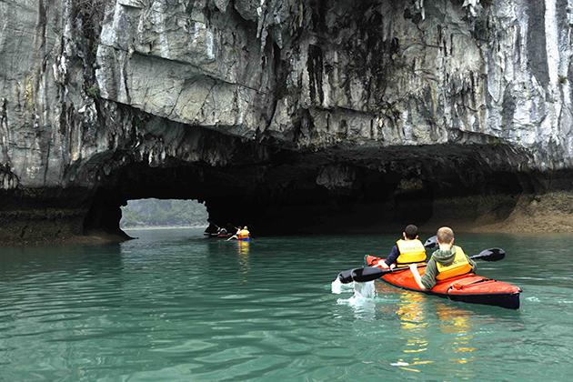 halong bay kayaking trip