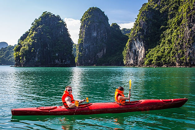 halong bay kayaking vietnam and cambodia tour 21 days