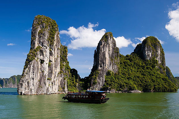 halong bay north vietnam tour