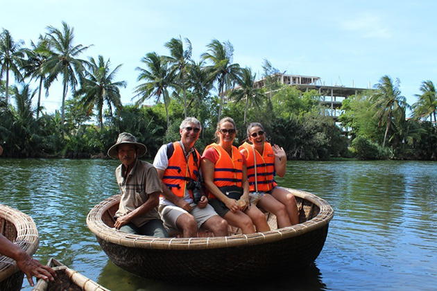 Hoi An Basket Boat Race – Half Day