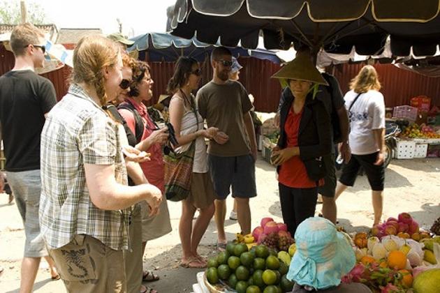 hoi an local market tour