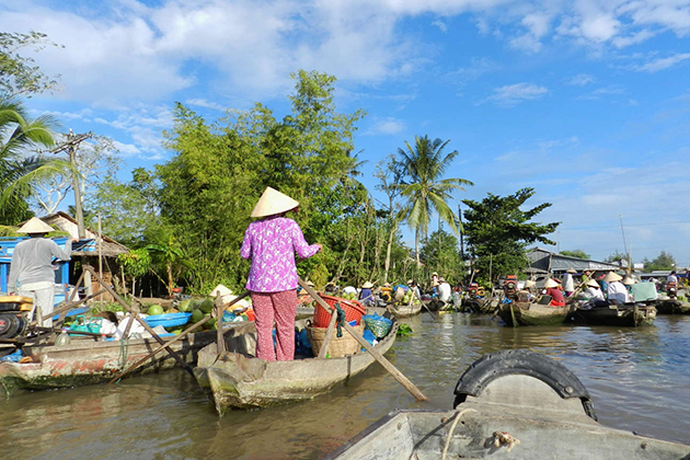 mekong delta floating market 3 week vietnam and cambodia tour