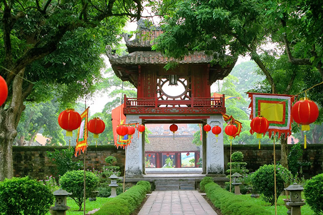 Hanoi Temple of Literature 15-day Vietnam Highlight tour
