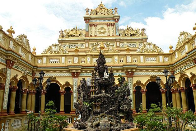 vinh trang pagoda vietnam tour in 12 days