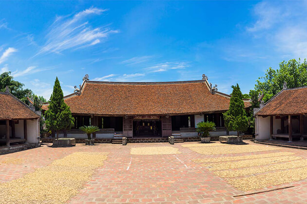 Duong Lam Ancient Village Vietnam Tour