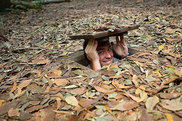 cu chi tunnels vietnam laos tour