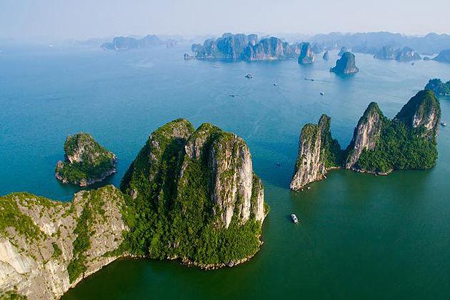 halong bay vietnam laos tour