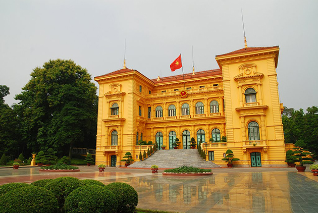 the presidental palace hanoi