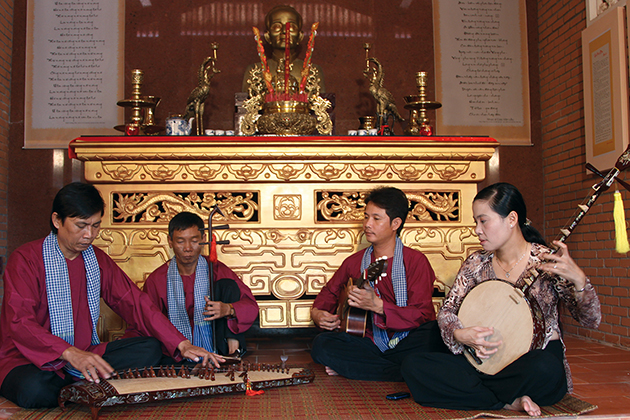 traditional music performance in mekong delta