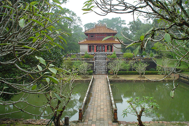 tu duc tomb vietnam trip in 15 days