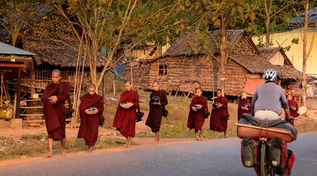 Illegal Myanmar Tour Agencies to be Cracked Down