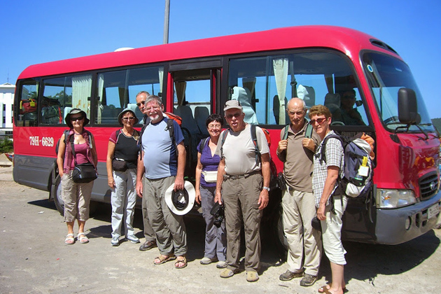 what is the difference between private tours and sic sit in coach