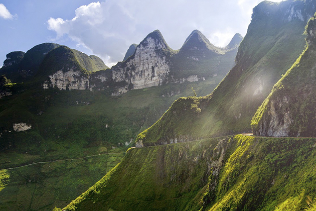 majestic pass in ha giang vietnam attractions