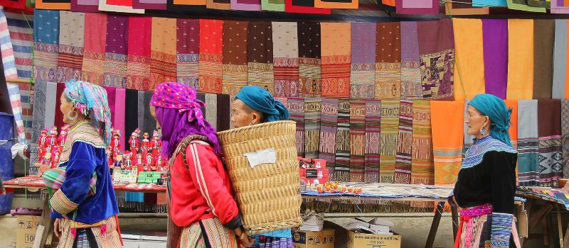 local people in a market in sapa