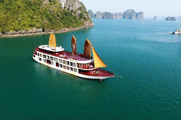 Deluxe Halong Bay Cruise at Vietnam family tour 15 days