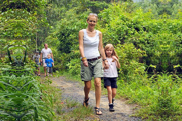 Family treking tour in Cat Ba Island