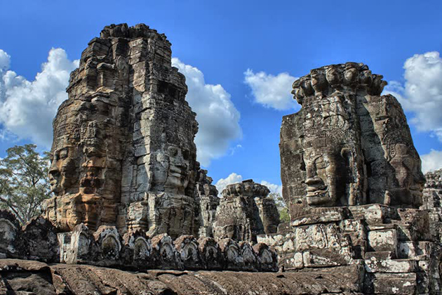 bayon temple angkor thom siem reap
