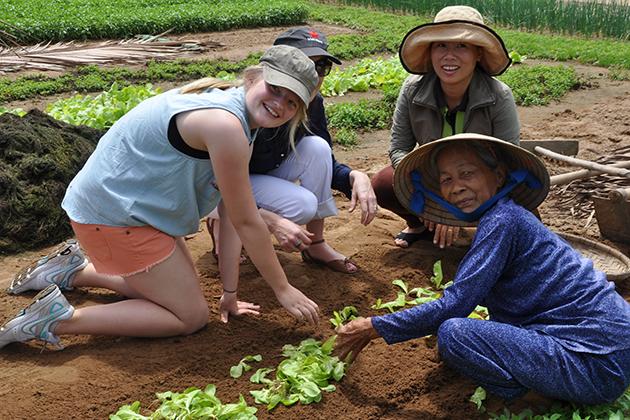 hoi an farming tour with kids