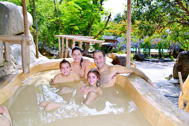 mud bath with family in Nha Trang