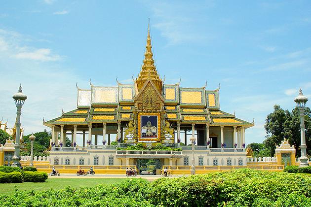 royal palace cambodia vietnam tour 19 days