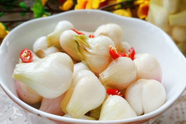 Pickled Onions tet holiday vietnam lunar new year