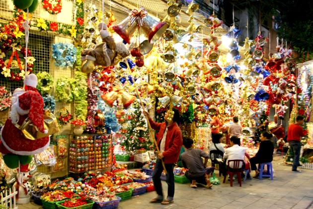 hang ma street hanoi christmas