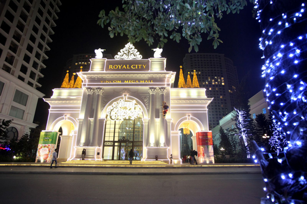 royal city hanoi christmas