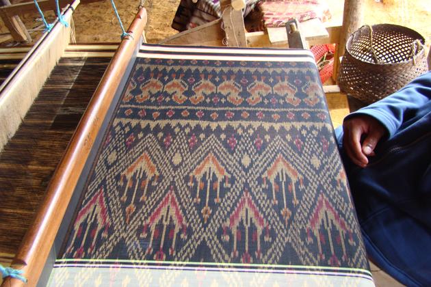 Lao Silk Textiles laos souvenirs