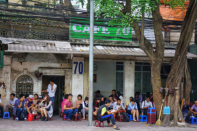 coffee in trieu viet vuong street