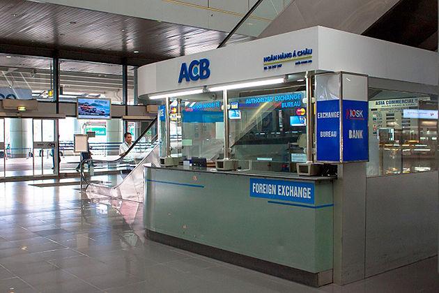 money exchange in airport vietnam money
