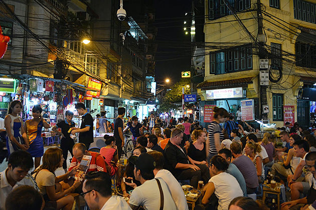 Ta Hien Street – The Non-Stop Street in Hanoi Old Quarter