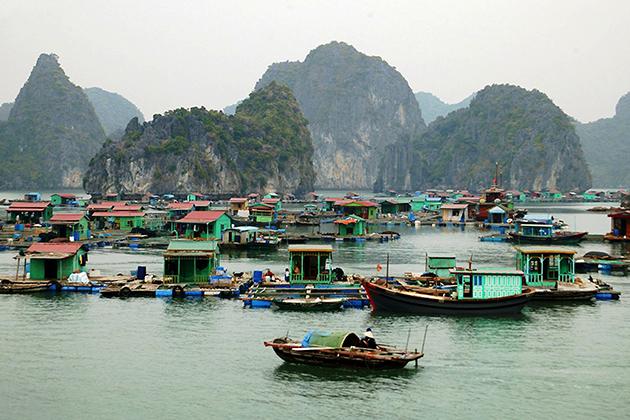 vung vieng floating village